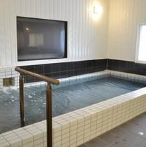 大浴場の湯船