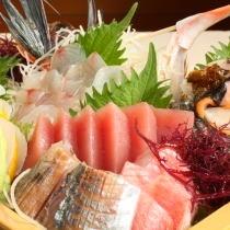 新鮮地魚の豪華盛合せ
