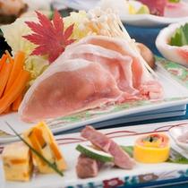 《 季節会席料理 〜季節により内容が異なります〜 》