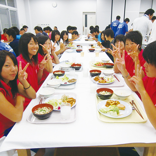 みんなで食べると美味しいね(*゜▽゜*)