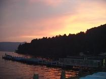 芦ノ湖の夕暮れ