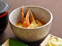 【お料理一例】カニのお出汁はとっても美味しいです。