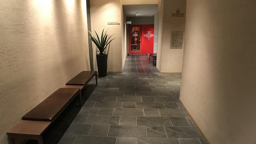 (新)ホテル1階通路