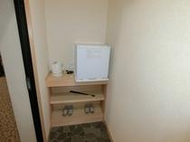 103号室 小型冷蔵庫