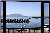 幸乃家の目の前が神子の港です。