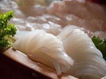 美味しい刺身を舟盛でお腹いっぱい!