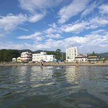 【駿河湾】海岸(浜辺)まで徒歩30秒!海の目の前に当館はございます。