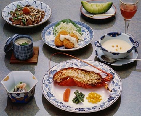 海まで徒歩4分♪自家製グレービーソースのステーキディナー&お刺身 1泊2食付基本プラン