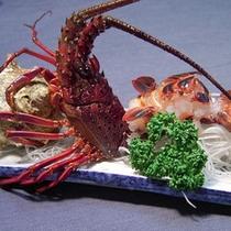 *料理一例/伊勢海老は活き造り、または鬼殻焼きにてお召し上がりいただきます。