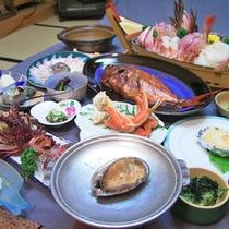 *料理一例/アワビ・伊勢海老コース。漁師町の雲見だから、より新鮮な味をご提供いたします。