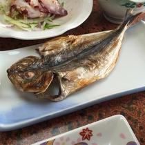 *料理一例/伊豆といえば鯵!朝食では、脂がしっかりのったあじの開きに舌鼓!