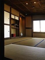 和室には愛らしい床の間