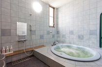 バリアフリーのお部屋浴室