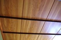 木の模様が面白い柱③