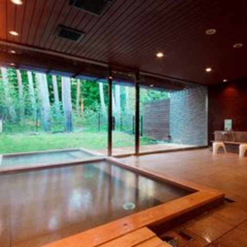 【大浴場】フォレストスパ/散歩道を進んだ森の中に佇む温泉でごゆっくりどうぞ(有料)※イメージ