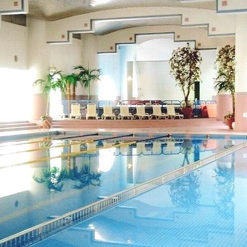 【スポーツ施設】インドアプール/富士の湧き水を使用した室内温水プール(夏季のみ営業・有料)※イメージ