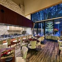 【サロン・ド・フォレスト】緑豊かな離れのレストランで四季折々のお料理をご用意いたします※イメージ