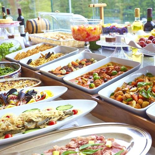 【夕食】ディナーバイキング/彩り豊かなメニューをご用意いたします※イメージ