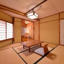 *和室7〜8畳(客室一例)/一人旅やカップルでのご宿泊にオススメ!足を伸ばしてのんびりとお寛ぎ下さい。