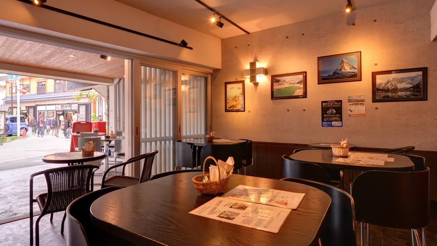 *カフェ・スパ・ノイエポスト(1F)/9:30〜17:30の間営業しております
