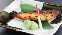 ◆【食事/夕食スタンダード/春】 旬のお魚を焼き物で