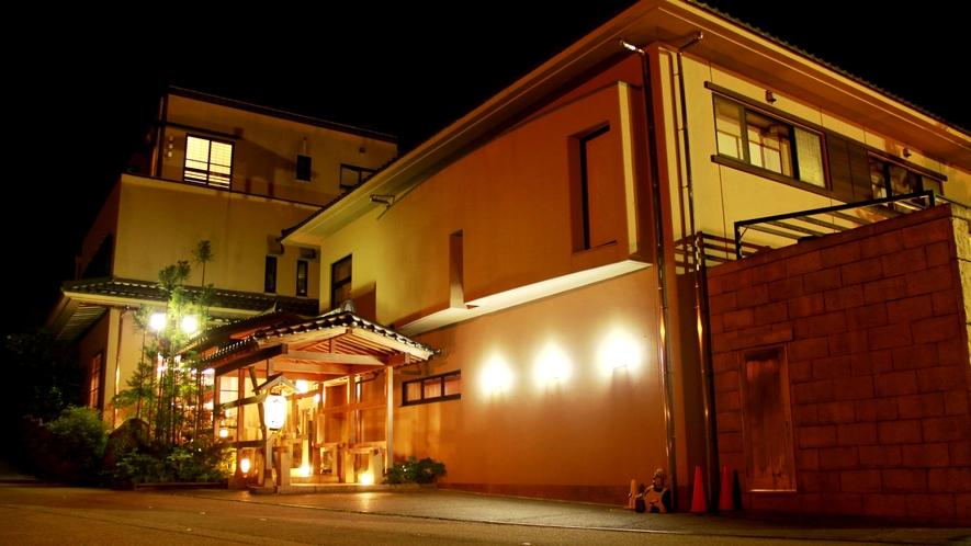 金沢 湯涌温泉の一番奥に位置する当館…静寂につつまれた落ち着いた雰囲気の旅館です。