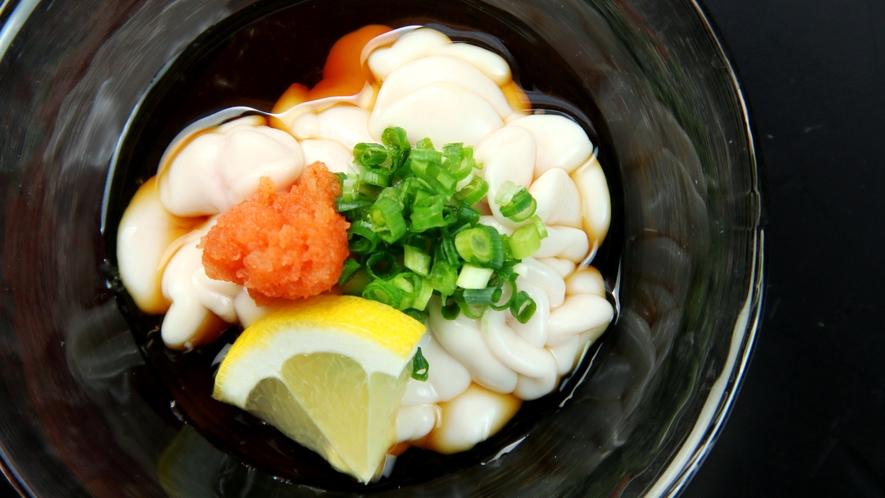 冬料理の一例。冬期限定の白子酢。
