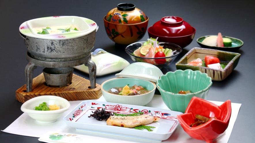 【朝食】加賀山海の幸をふんだんに使用した体にやさしい朝ごはん