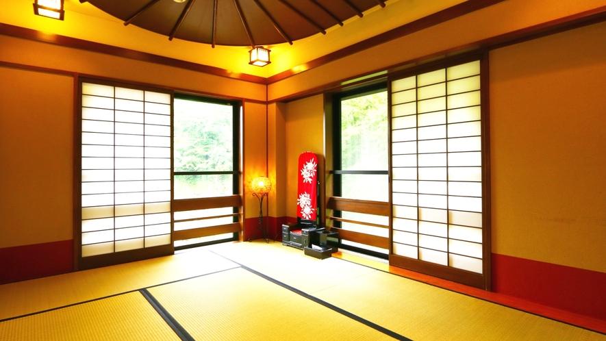 【客室】秋月・春暖。1日1組限定、当館で1室しか無いメゾネットタイプのお部屋です。