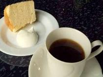 挽き立てオリジナルコーヒーと手作りケーキセット
