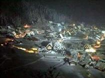 白川郷ライトアップ 幻想的な冬景色
