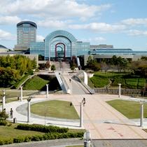 *【外観】当館は大型の公園「あいち健康の森公園」の敷地内にございます。