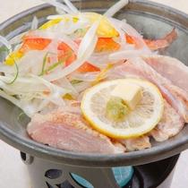 【2018年6月~8月 雅コース】台の物:鶏肉陶板焼き