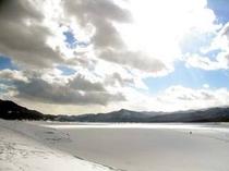 結氷した糠平湖
