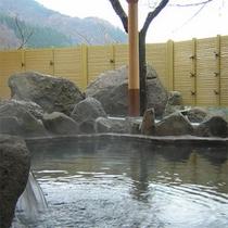 岩の露天風呂(岩風呂)