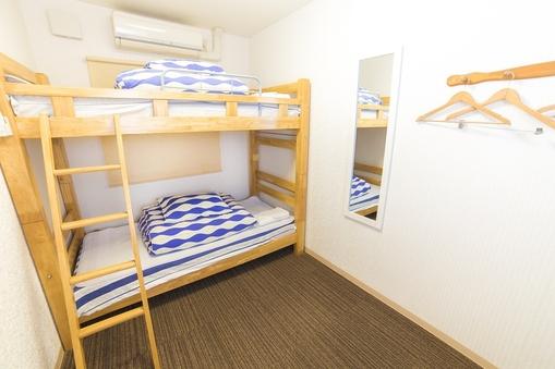 ツインルーム 2段ベッド+ソファー