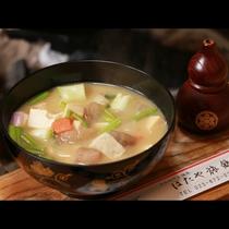【囲炉裏料理】冬季限定・なっとう汁