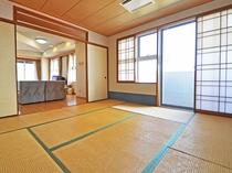 【和洋室ユニット(海側)】和室8畳 和室が二間あるのでご家族同士のご宿泊にも最適です