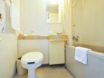 【洋室シングル(海側)】バストイレ