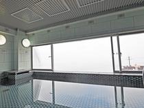 【男性展望浴場 内湯】大浴場は当館最上階にあります