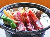 【夕食一例:ときめきプラン】肉料理(陶板焼き)