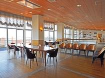 【レストラン】四季折々の海の表情を眺めながらお楽しみください