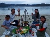 夕食をビーチバーベキュー