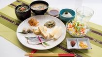 *朝食一例(和食)/連泊の方には、少しずつメニューを変えてお出しいたします。