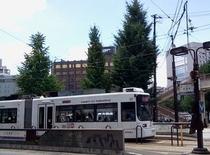 花畑電停(最寄の路面電車停留所)