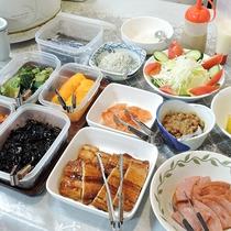 *【朝食一例】バイキング形式の和朝食