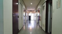*【館内一例】新館2階の廊下です