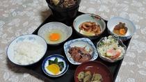 *【夕食一例】ボリューム満点の定食です
