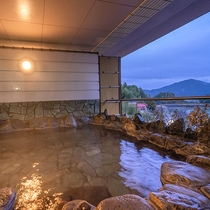 【4F‐森の湯】露天風呂