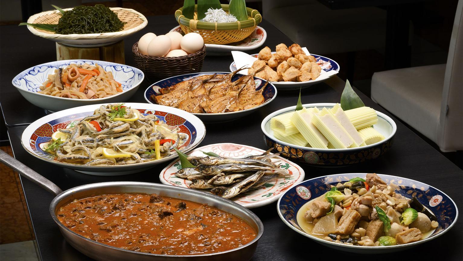 【朝食】長崎ならではの旬の食材や豊かな海産物など、長崎を満喫できるコーナーもご用意しております